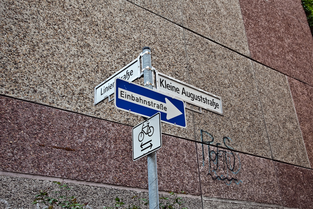 Berlin: sign alignment