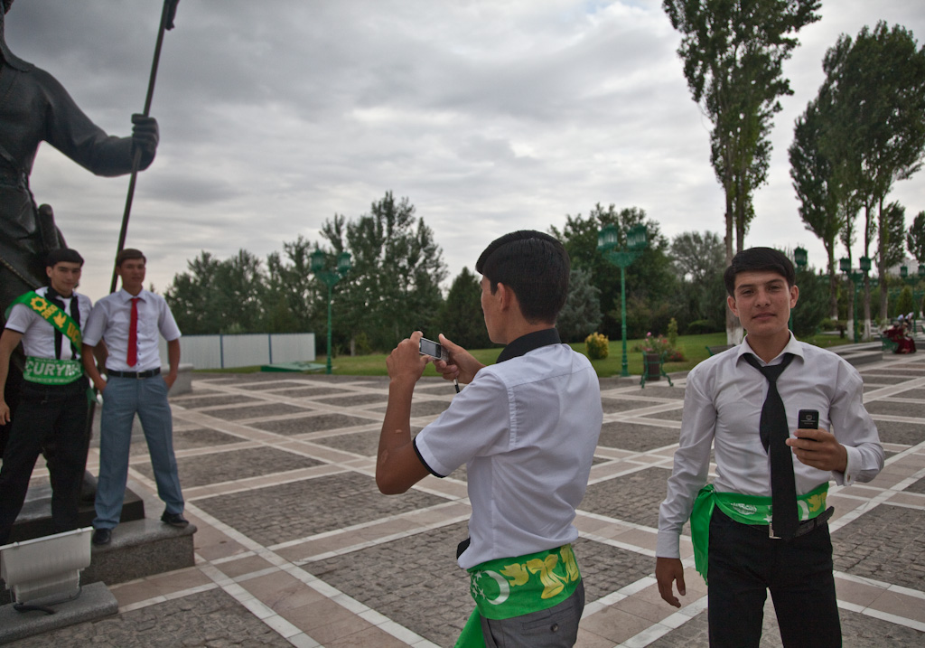 Ashgabat: postures and poses