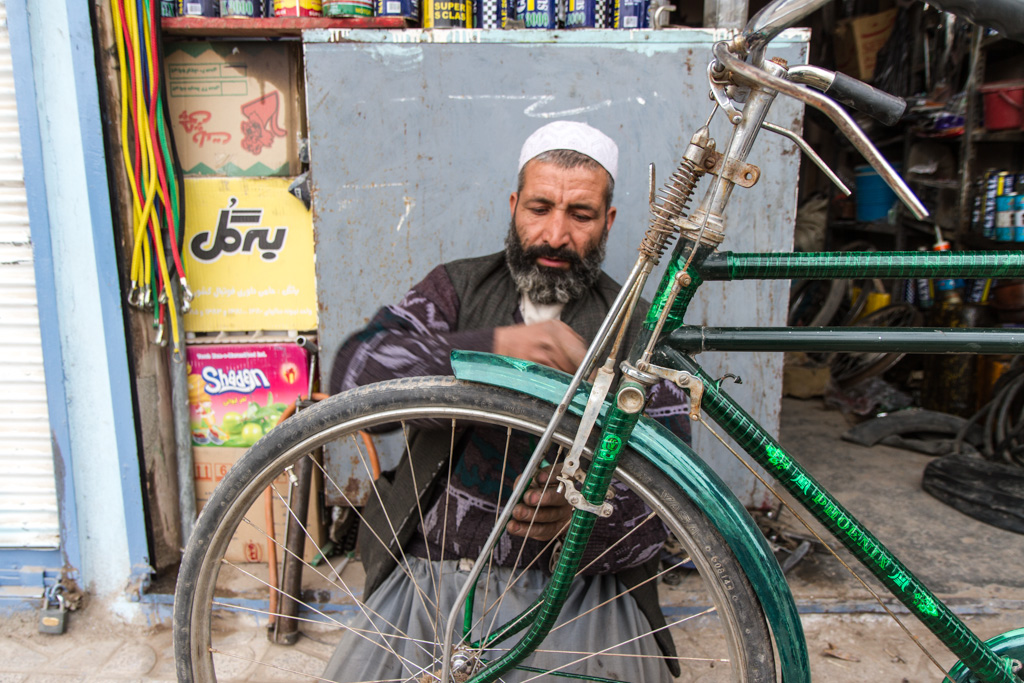 Kabul: Bicycle protection